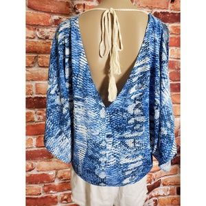 NWT Ark & Co. Small Blue & White Open Back Blouse